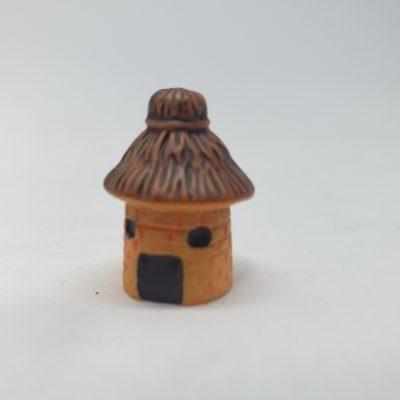 Mini coliba acoperis trestie ceramica ACH 389564