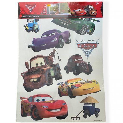 AG Design autocolant Disney cu Cars, cu dimensiune ambalaj 65 x 90 cm, compus din 9 bucăți de autocolante.